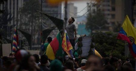 Kolombiya'da genel grev: 7 polis yaralandı, çok sayıda gözaltı