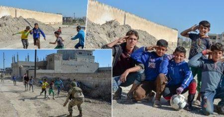 Resülayn'da güvenliği sağlayan askerlerimize çocuklardan asker selamı