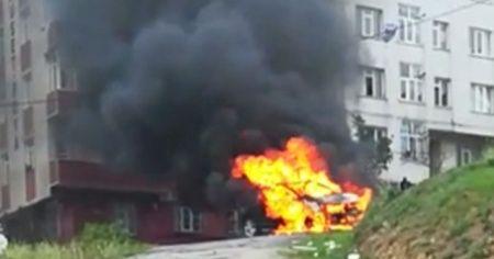 Sabotaj şüphesi! Park halindeki cip alev alev yandı