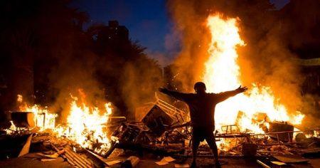 Şili'de göstericiler Arjantin Büyükelçisinin evine saldırdı