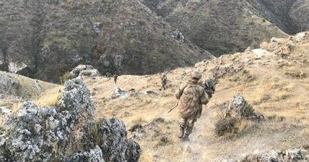 Teröristler tarafından toprağa gömülen patlayıcı imha edildi