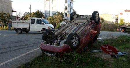 Ticari araçla kamyonet çarpıştı: 5 yaralı