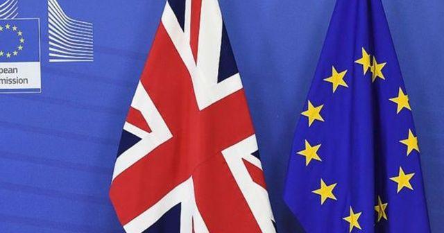 """AB'den İngiltere'ye """"Brexit'i onayla"""" mesajı"""