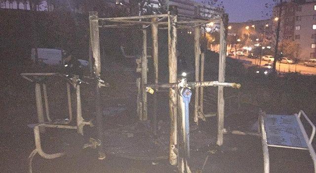 Ankara'da şehir magandaları çocuk parkını yaktı