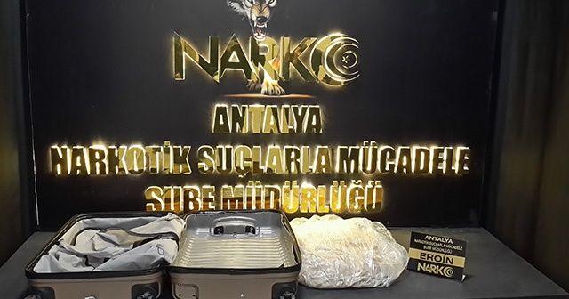 Antalya Havalimanında uyuştucu operasyonu