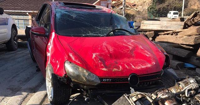Bariyerlere çarpıp takla atan araç hurdaya döndü: 1 ölü, 2 yaralı