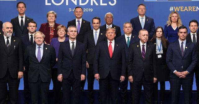 Cumhurbaşkanı Erdoğan, aile fotoğrafına katıldı