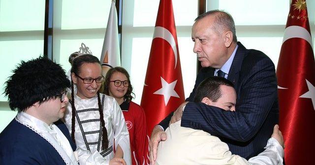 Cumhurbaşkanı Erdoğan engellilerle bir araya geldi