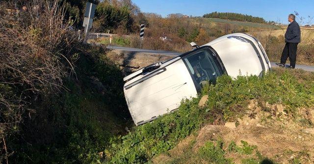 Hakimiyetini kaybeden araç su kanalına uçtu