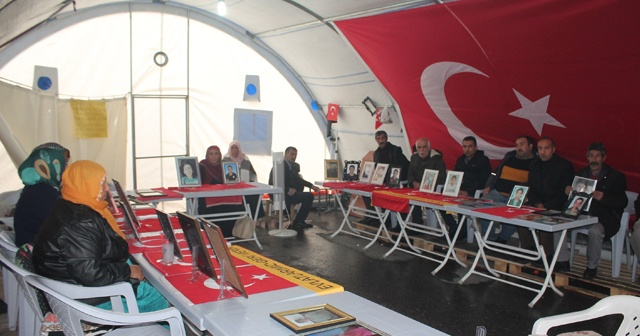 HDP önündeki ailelerin evlat nöbeti 117'nci gününde