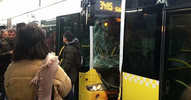 İki metrobüs birbirine girdi