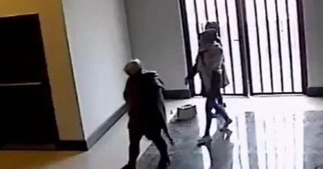 Kadın hırsızlar önce kameraya, sonra polise yakalandı