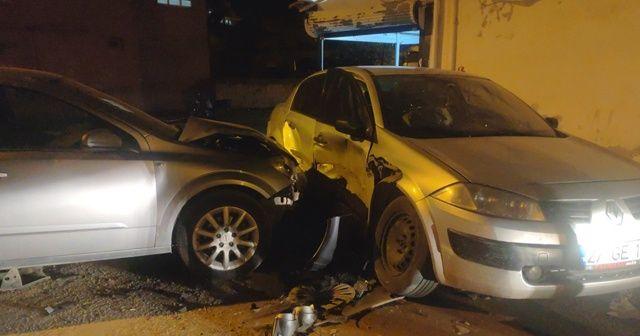 Kazada savrulan otomobil bakkal duvarına çarptı: 2 yaralı