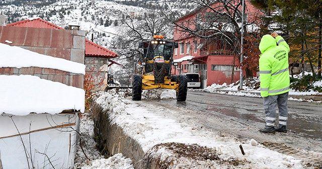 Toroslara mevsimin ilk karı düştü