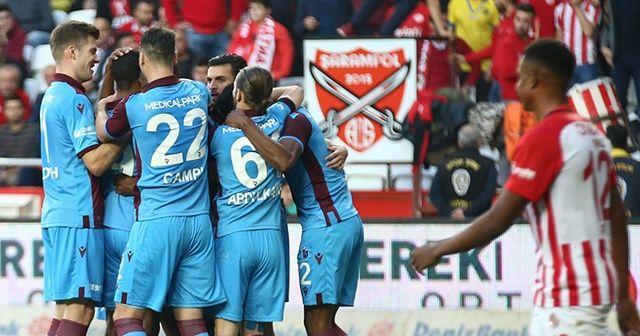 Trabzonspor deplasmanda Antalyaspor'u 3-1 mağlup etti