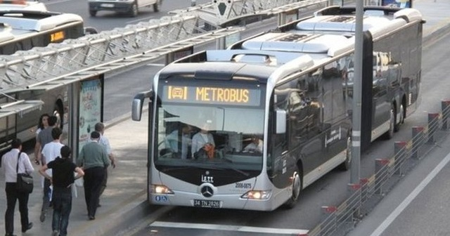 Türkiye Afrika ülkesine metrobüs götürüyor