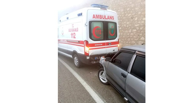 Yaralı taşıyan ambulans kaza yaptı: 7 yaralı