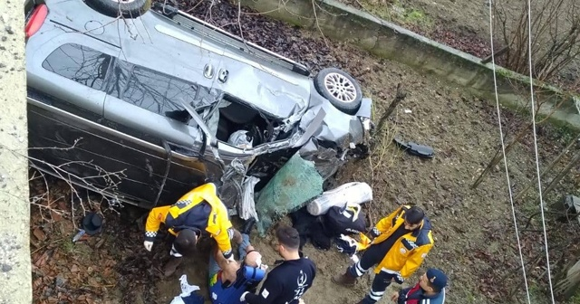 Yoldan çıkan otomobil evin bahçesine uçtu: 1 ölü, 2 yaralı