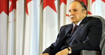 Cezayir 20 yıl sonra Buteflika'nın aday olmadığı cumhurbaşkanlığı seçimine gidiyor