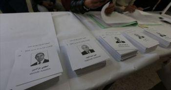 Cezayir'de binlerce kişi cumhurbaşkanlığı seçimi ve sonucunu protesto etti
