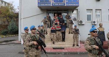 Diyarbakır'da terör örgütü PKK'ya eleman temin edip finans desteği sunan 17 şüpheli yakalandı