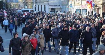 Gürcistan'da muhalefet seçim sistemini değiştirme taleplerinde ısrarcı