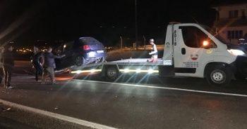 İki otomobil çarpıştı: 2'si çocuk 6 yaralı