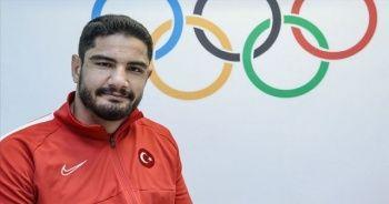 Milli güreşçi Taha Akgül sol omzundan ameliyat edildi