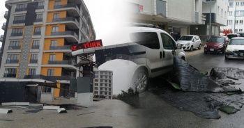 Tekirdağ'da çatılar uçtu, apartman girişleri yıkıldı