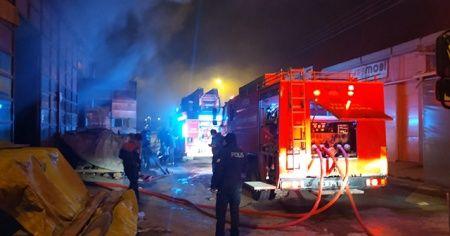 Ahşap fabrikasında yangın