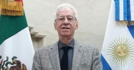 Arjantin'de 10 dolarlık kitabı çalan Meksikalı büyükelçi geri çekildi