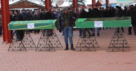 Asker ziyareti sonrası kazada ölen karı-koca toprağa verildi