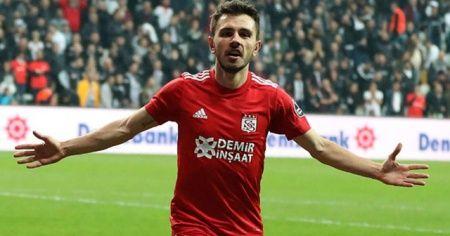 Beşiktaş'tan Emre Kılınç ve Mert Hakan Yandaş açıklaması