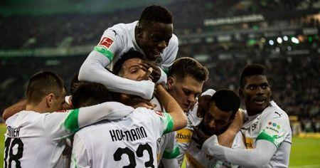 Borussia Mönchengladbach Bayern Münih'i son dakika golüyle devirdi