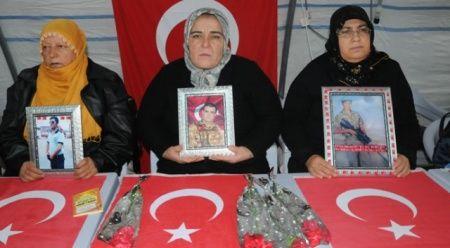 Diyarbakır annelerinden teslim olun çağrısı
