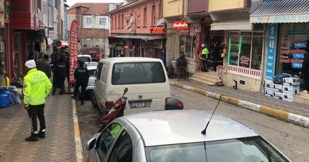 Benzin bidonu ve tüfekle berber dükkanını basan şahıs 3 saat sonra ikna edildi