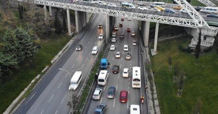 Esenyurt TEM Bağlantı yolunda 7 araçlı zincirleme kaza