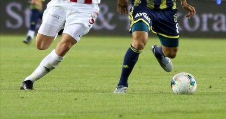 Fenerbahçe, lider Sivasspor'a konuk olacak