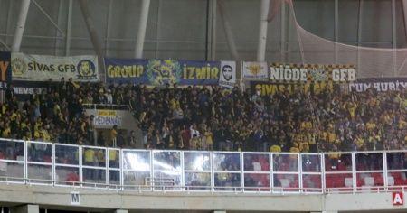 Fenerbahçeliler biletlere adeta hücum etti