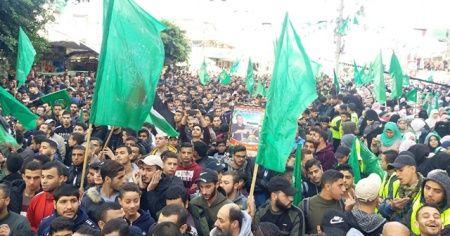 Gazze'de Filistinliler Hamas'ın kuruluşunun yıldönümü kutladı
