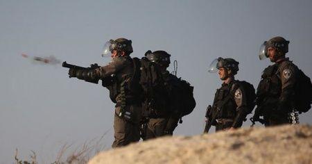 İsrail askerleri Batı Şeria'da iki Filistinli işçiyi yaraladı