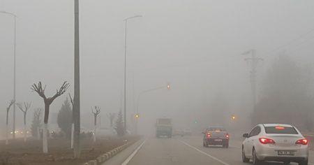 Karabük'te sabah saatlerinde sis etkili oldu