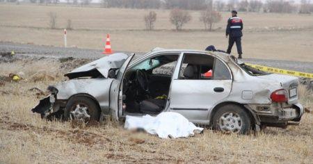 Karı-kocayı trafik kazası ayırdı