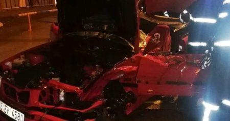 Otomobil vidanjöre çarptı