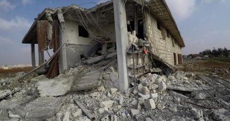 Rus savaş uçakları İdlib'e saldırdı: 2 ölü, 5 yaralı