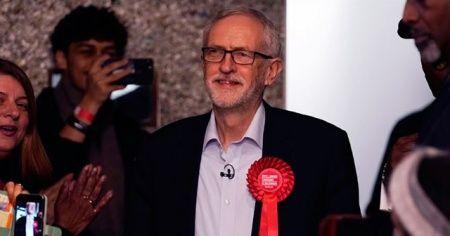 Seçim hezimeti sonrası İşçi Partisi lideri istifa etti