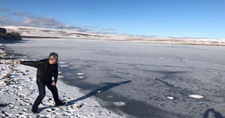 Soğuklar bastırdı göl buz tuttu
