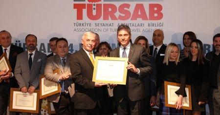 TÜRSAB'ın 24. dönem yönetim kurulu üyeleri düzenlenen törenle mazbatalarını aldı