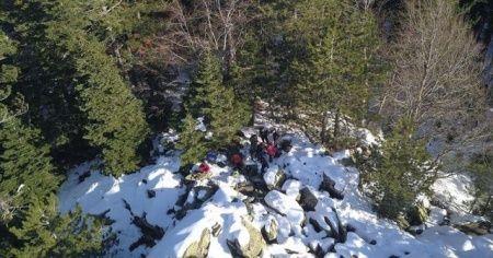 Vali açıkladı: Uludağ'da kaybolan iki arkadaştan mont ve bere dışında bir iz yok