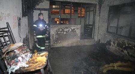 Yangın çıkan evde mahsur kalan 3'ü çocuk, ikisi hamile 7 kişi kurtarıldı